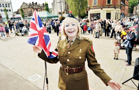 FINAL NOTE? Songstress Linda Dee enterained the crowd at the town's 'Forties Day' on the market square on Saturday.
