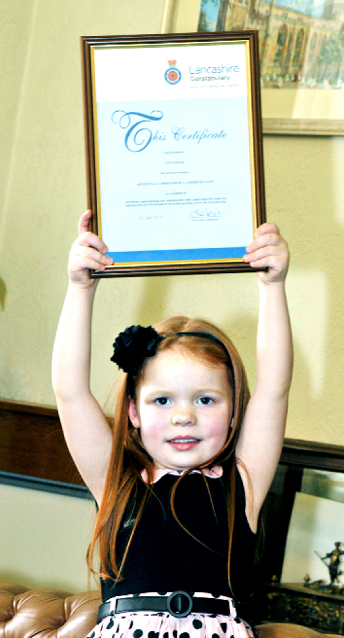 Lexi, 4, wins award for call to save mum at Blackburn home