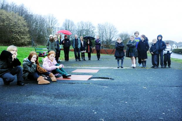 Blackburn Citizen: Disgruntled parents and children on the playground