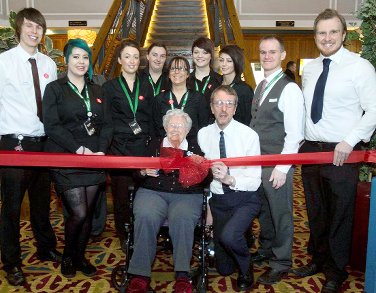 Darwen pensioner cuts ribbon on Wetherspoons building where she got married