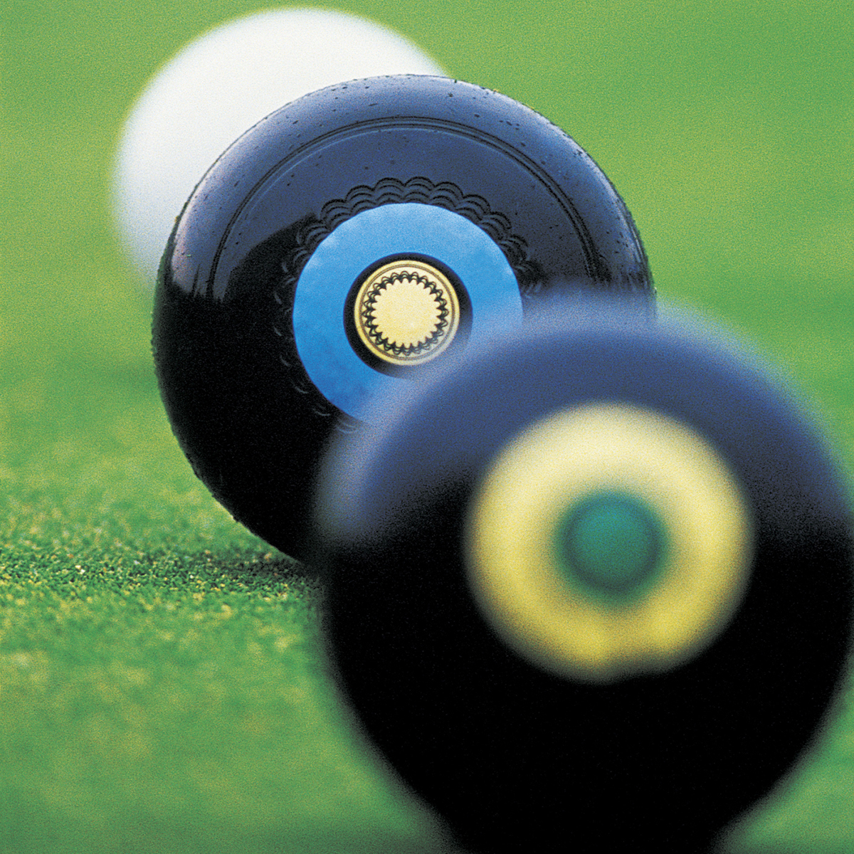 Lower Darwen Memorial Bowling Club bowled over by club grant