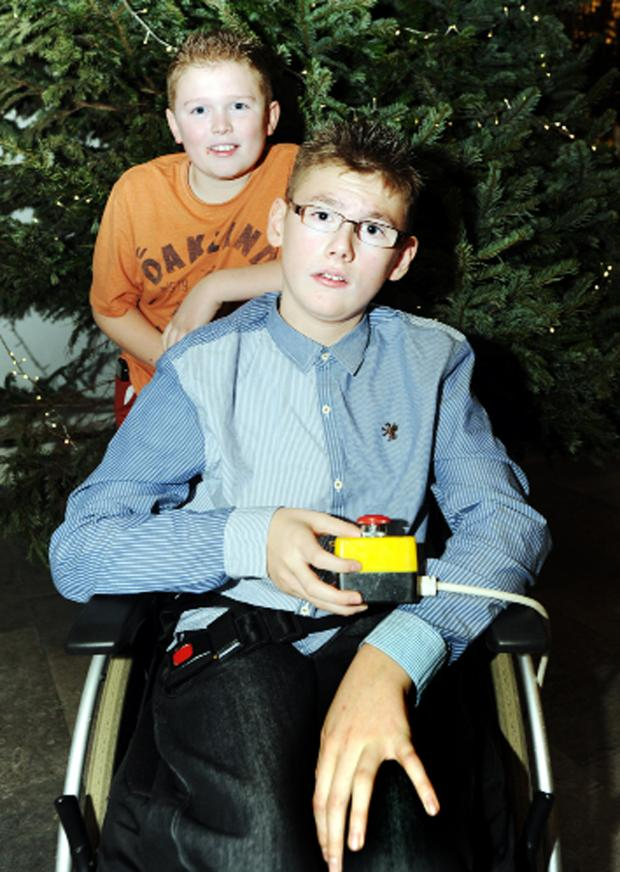 Blackburn Citizen: Lewis with brother Oliver