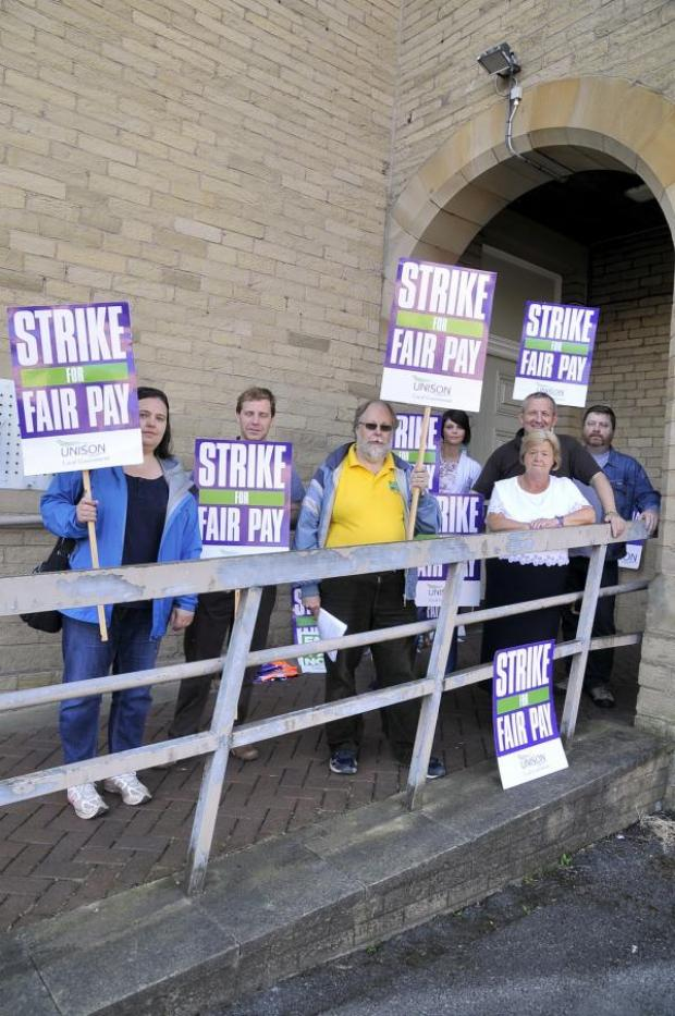 Blackburn Citizen: Thousands of public sector workers strike over pay across East Lancashire