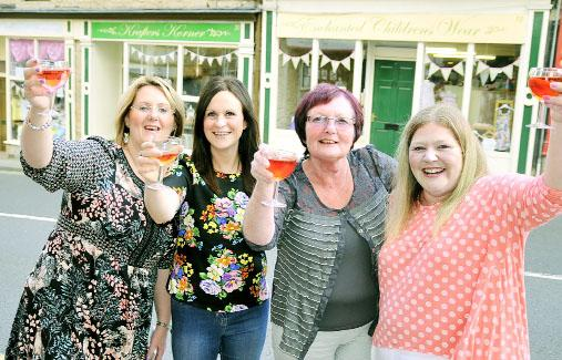 Padiham pals set up neighbouring businesses to breathe new life into 'death row' hill