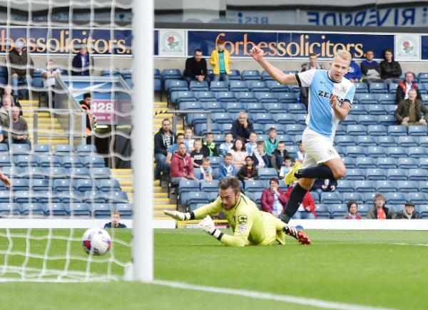 Jordan Rhodes slots home Rovers' 7,000th League goal