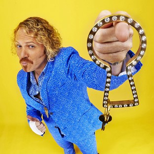 Keith Lemon is back for more Through The Keyhole