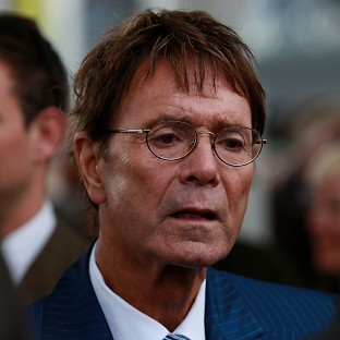 Sir Cliff aims to avoid search row